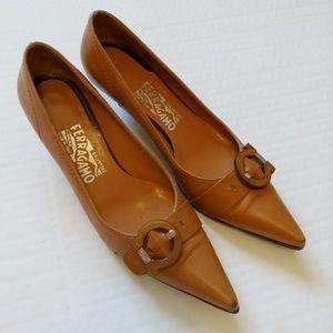 Vintage Salvatore Ferragamo pointed toe pumps